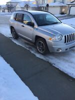2009 Jeep Compass AWD runs and drives great low kms