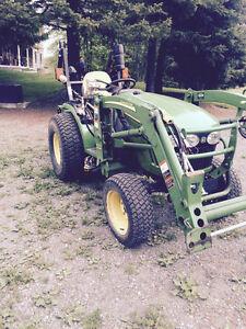 John Deere compact tractor 4x4