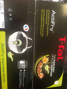 Brand new. Unopened Tfal Actifry Express Family Low Oil Fryer.
