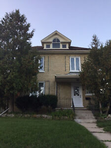 Nice Rooms in a Big House Located in the Galt Area Cambridge Kitchener Area image 1