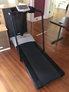 Life Fitness HR4500 Treadmill! Commercial Gym Quality! New Year!