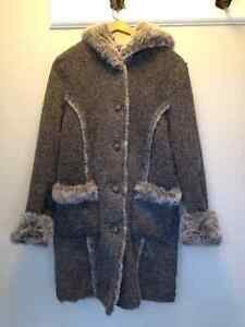 Reversible fake fur coat Gatineau Ottawa / Gatineau Area image 2