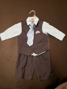 Dockers. 12 month 3 piece suit- only worn once!