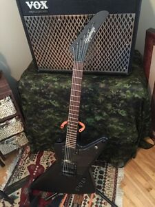 Epiphone goth explorer with emg's