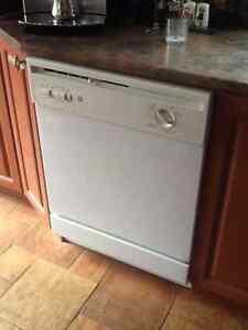 Lave vaisselle GE 65$