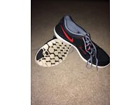 Size 9.5 Black and Red Nike Flex 2014 Run