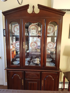 Lighted buffet and hutch