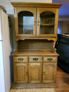 Great solid wood kitchen hutch!!
