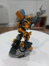 Bumblebee figure