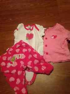 0-3 month girl clothes sleepers/ outfits London Ontario image 1