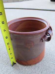 "Hand-made Ceramic Planter, 7 1/4"" round x 6 3/4"" Windsor Region Ontario image 4"