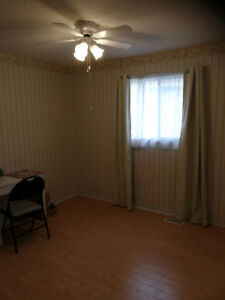 On bed room for rent