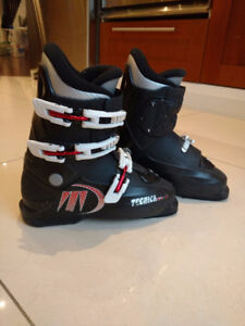 Black Ski Boots Juniors 5-6/men's 6/womens 7 Good Condition