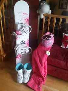 Girls snow board boots and accessories Kitchener / Waterloo Kitchener Area image 1