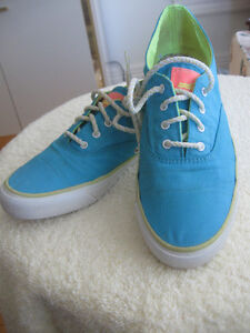 Pair SPERRY TOP SIDER SAILING SHOES