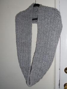 hand made Gorgeous infinity scarf :) Kitchener / Waterloo Kitchener Area image 6