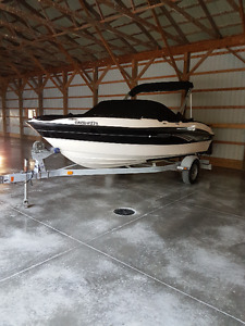 Very clean 18ft bowrider