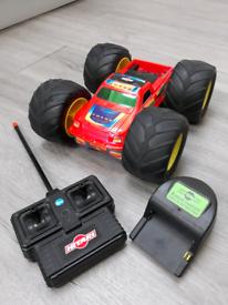 Remote control car by Hitari