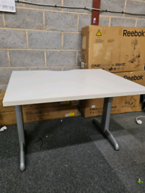 Steelcase branded white Office desks 100cm x 80 cm