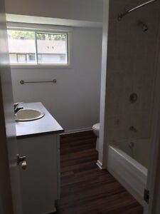 3 bed - Close to all major transportation routes!