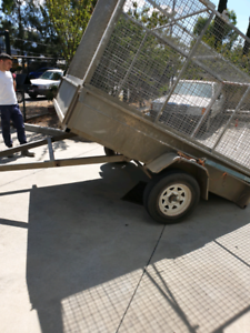 8x5 high caged manual tipper trailer