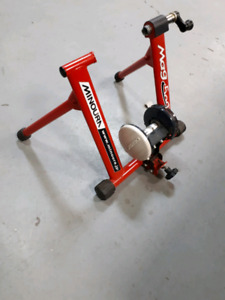 Stationary bike stand trainer