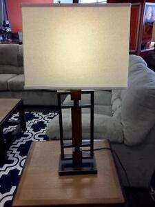 *** NEW *** ASHLEY OMARIS LAMP (2 C/N)   S/N:51264098   #STORE582