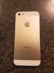 Iphone 5s no scratches just like new  Peterborough Peterborough Area image 2