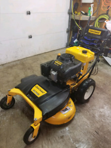 "Cub cadet 33"" Walk behind low hrs 130"