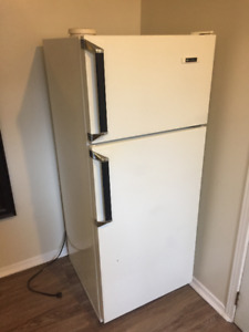 white westinghouse fridge freezer