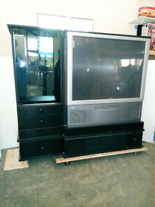 HDTV Comes With Media TV Stand
