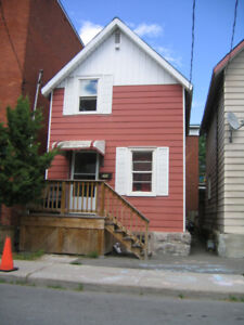 Downtown Center Town $1395 plus utilities , only street parking