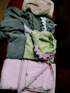 6 toddler hooded towels $15 takes LOT SALE