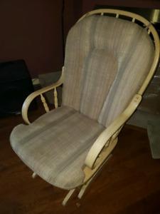 Dutalier Glider rocking chair in excellent shape