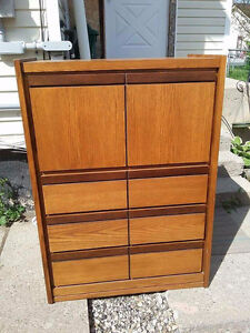 Dresser in Great Condition $80
