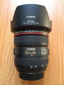 Canon 24-70mm f4 L IS with Lens Hood MINT