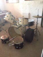 Pearl drums w/ 2 CB toms and accessories