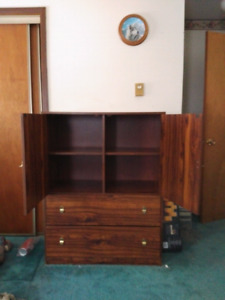 Dressers and night tables