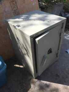 Gardex Gx-2 245lb 3.8 cu/ft Steel Safe for sale