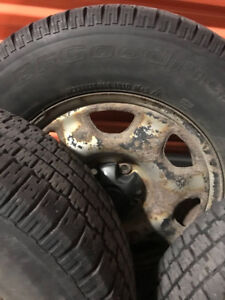 4x winter tires 225/70 R16 with 4 rims (1 mismatched)