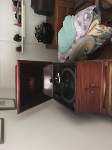 Phonograph gramophone Victor 1X Mahogany table top model