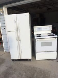 Matching White Beaumark Fridge & Range