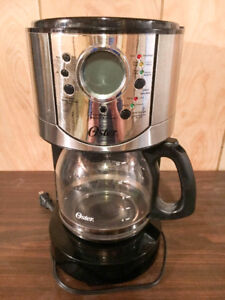 Oster 12 cup coffee maker - good condition