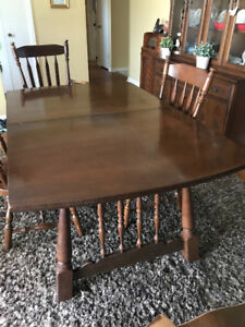 Vilas Solid Maple dining room set with buffet and hutch