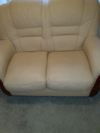 Like new Light cream leather suite.