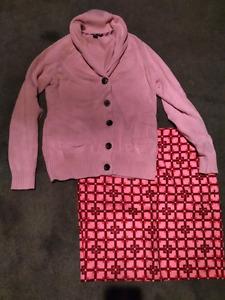 Womens size medium sweater and skirt