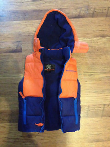 Boys size 4 Sleeveless Weatherproof Jacket