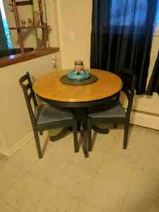 Kitchen Table & 4 Chairs $60 OBO
