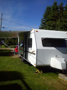 24ft flagstaff lightweight travel trailler in great condition