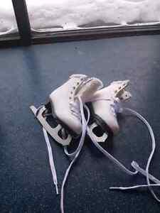 Junior Skates never worn size 9